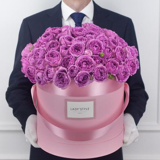 Кустовая роза Misty Bubbles в шляпной коробке XL: букеты цветов на заказ Flowwow