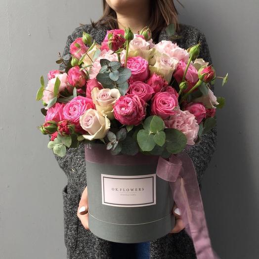 Пионовидные Розы в стильной шляпной коробочке