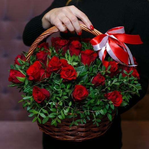 25 роз в корхзине: букеты цветов на заказ Flowwow