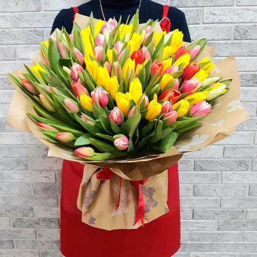 Букет из 101 тюльпана: букеты цветов на заказ Flowwow