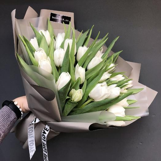 Белоснежные тюльпаны: букеты цветов на заказ Flowwow