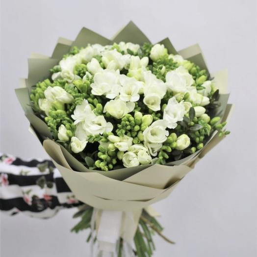 Фрезии: букеты цветов на заказ Flowwow