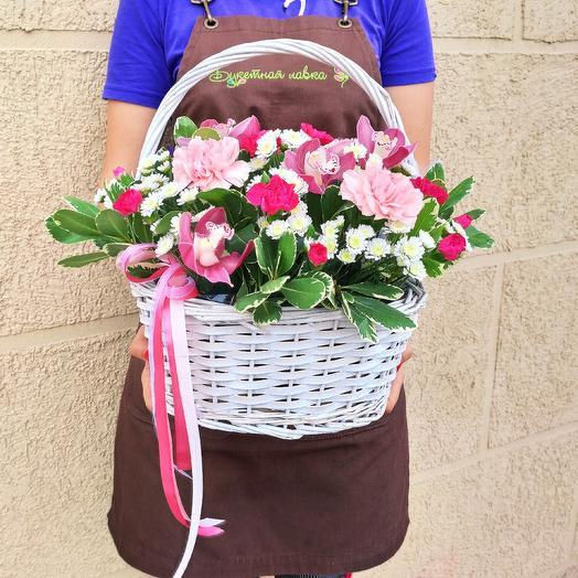 Композиция в корзине: букеты цветов на заказ Flowwow
