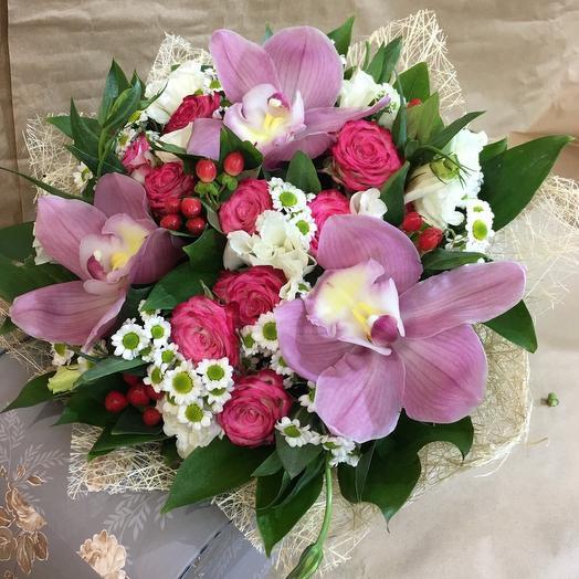 Красивый букет из орхидеи,,Скромность