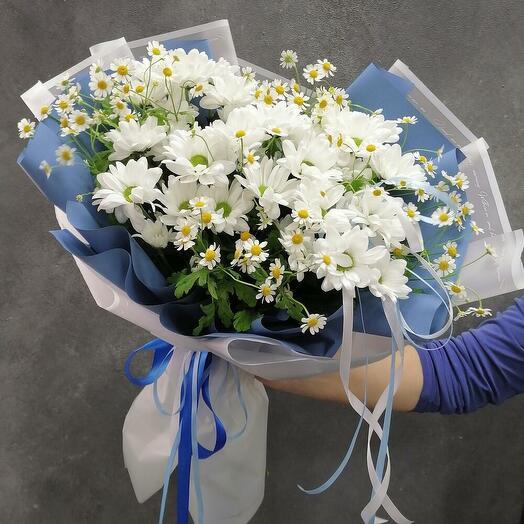 Field spring bouquet