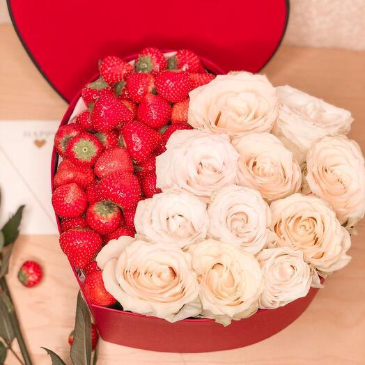 Клубничная коробочка «Букет из белых роз»