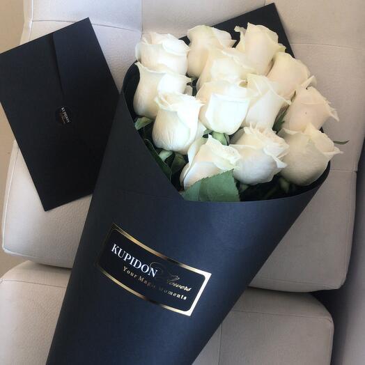 Конус на 13 роз