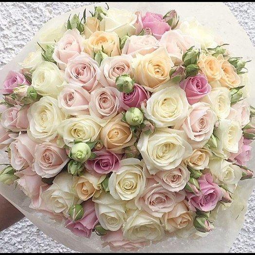 Облако припудренных ассорти роз: букеты цветов на заказ Flowwow