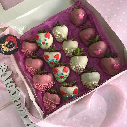 Клубника в шоколаде в коробке: букеты цветов на заказ Flowwow