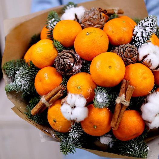 Зимний букет с мандаринами