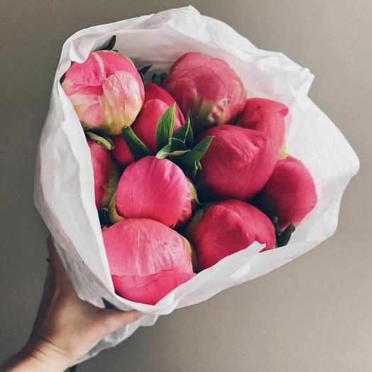 Коралловая карамель: букеты цветов на заказ Flowwow