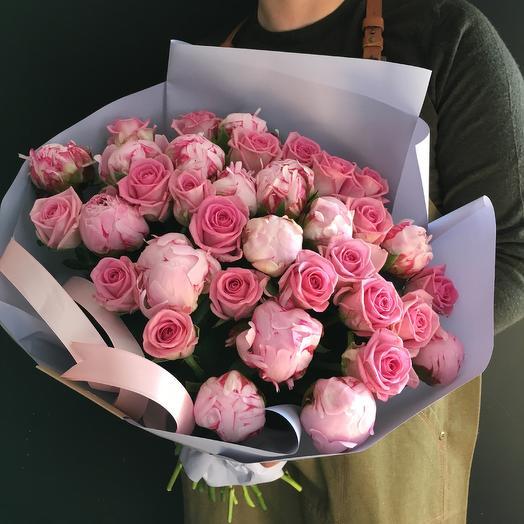 Букет дня - Пионы и розы 💗: букеты цветов на заказ Flowwow