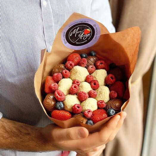 Букет с клубникой в шоколаде: букеты цветов на заказ Flowwow