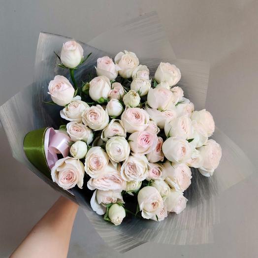 9 веточек кустовых пионовидных роз: букеты цветов на заказ Flowwow