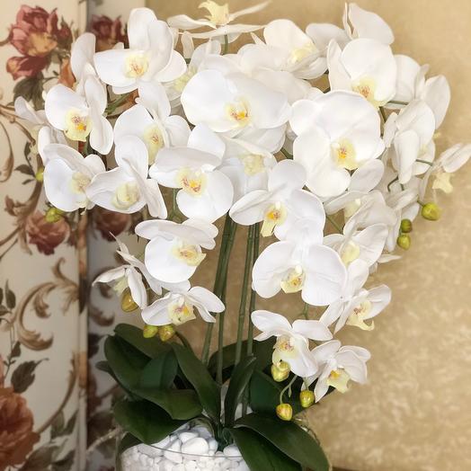 Селиконовая орхидея в стеклянной вазе