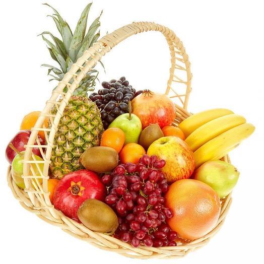 Подарочная корзина с фруктами «Фруктовое изобилие»