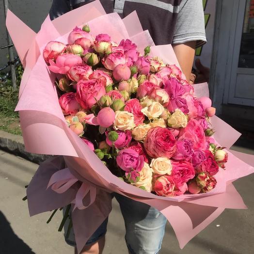 Букет из кустовых роз Идеал