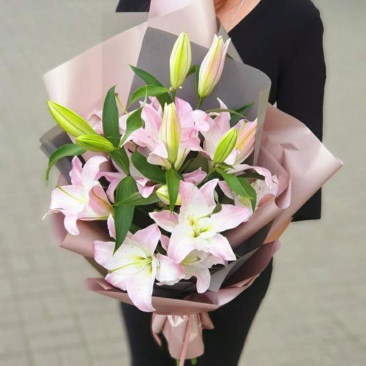 Букет розовой лилии