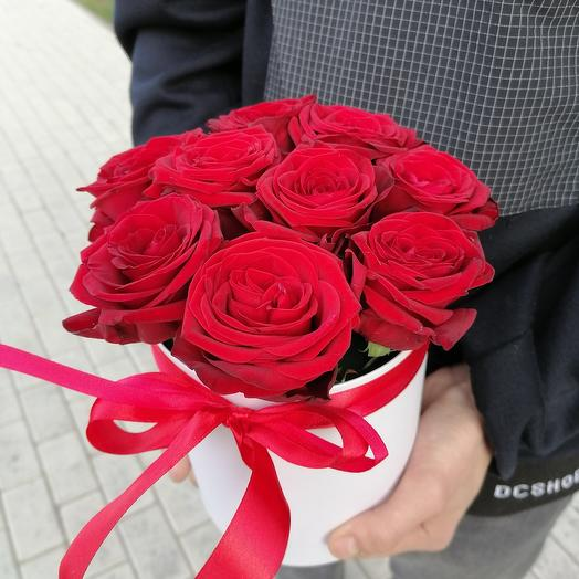 9 роз в коробке