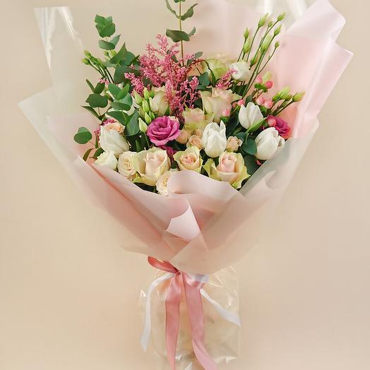 Букет с розами и белыми тюльпанами (114)