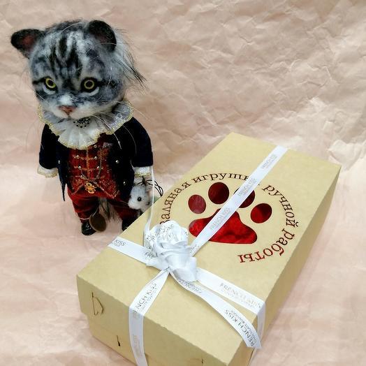 Котик Граф с мышкой Валяная игрушка ручной работы Carree Lune SPB