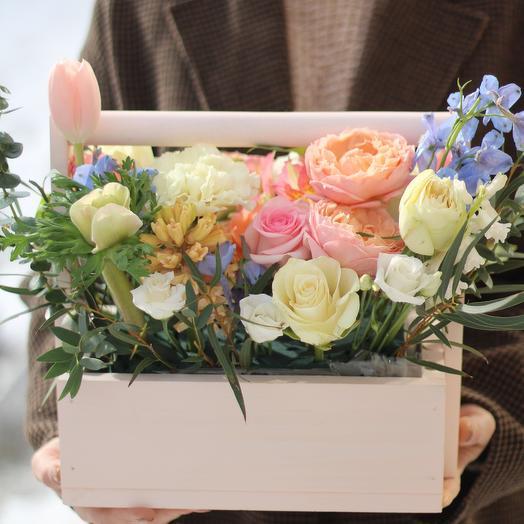 Весенний ящик с цветами