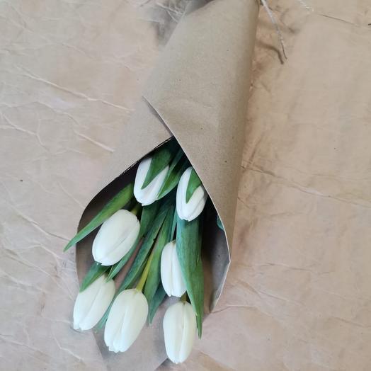 Корпоративные букеты из 7 белых тюльпанов