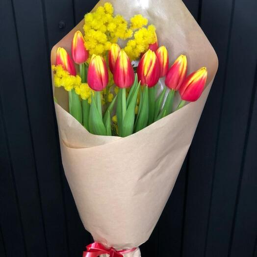 Букет тюльпанов с ароматной мимозой э