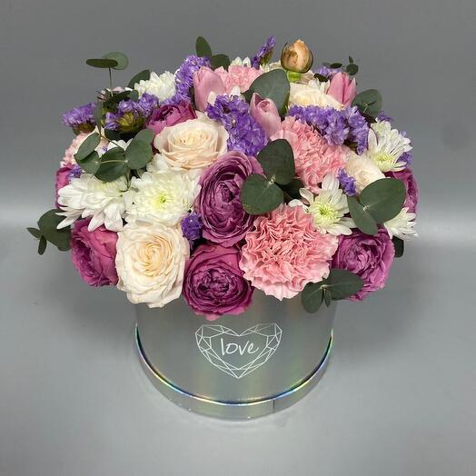 Голографическая коробка с пионовидными розами