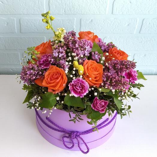 Цветы в коробке Сирень и розы