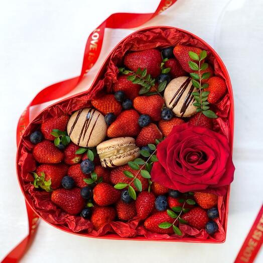 Большое ягодное сердце «You re my sunshine»