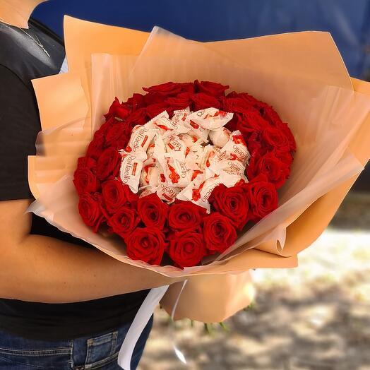 Рафаэлло и розы ️