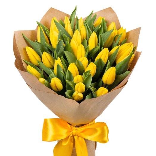 Букет из 35 тюльпанов: букеты цветов на заказ Flowwow