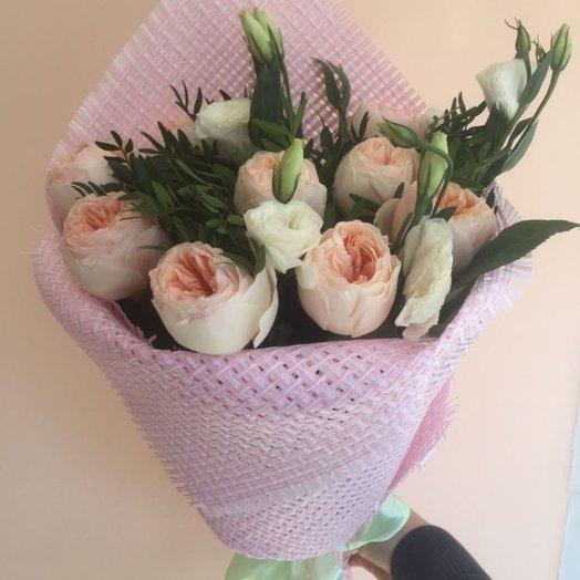 Очаровательный букет из пионовидных роз Кокетка