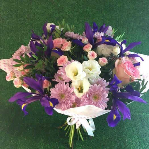 Розово-сиреневый букет с ирисами: букеты цветов на заказ Flowwow