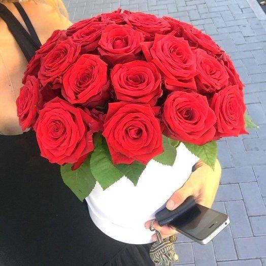 Цветы в шляпной коробке Чечетка: букеты цветов на заказ Flowwow