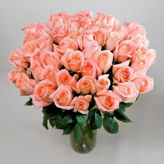 25 Коралловых Эквадорских роз: букеты цветов на заказ Flowwow