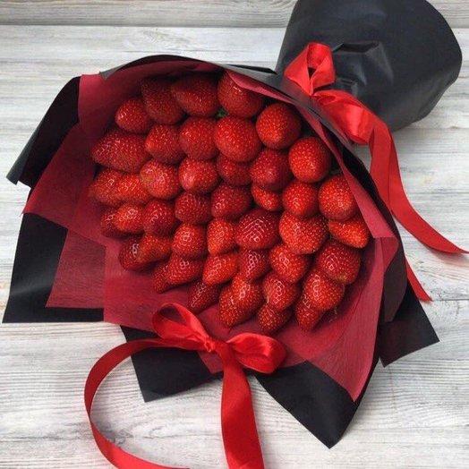 Букеты из фруктов. Клубника в букете.  N2: букеты цветов на заказ Flowwow
