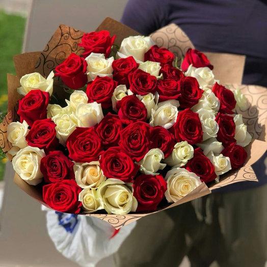 Букет 51 красно-белая Роза: букеты цветов на заказ Flowwow