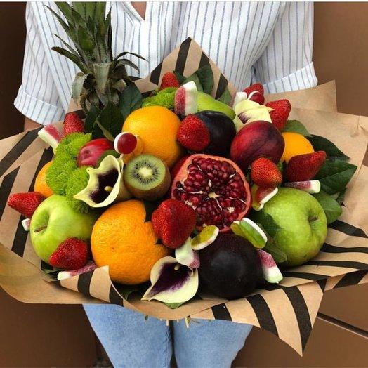 """Фруктовый букет """"Тропический микс"""": букеты цветов на заказ Flowwow"""