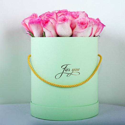 Коробка из 19-ти нежных роз