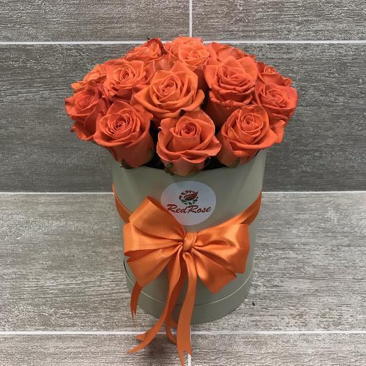 19 роз «Вау» в шляпной коробочке: букеты цветов на заказ Flowwow