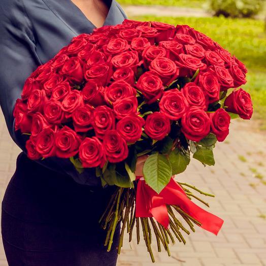 Букет из 71 красной розы (60см): букеты цветов на заказ Flowwow