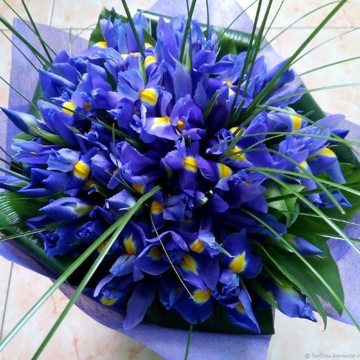 Букет ирисов: букеты цветов на заказ Flowwow
