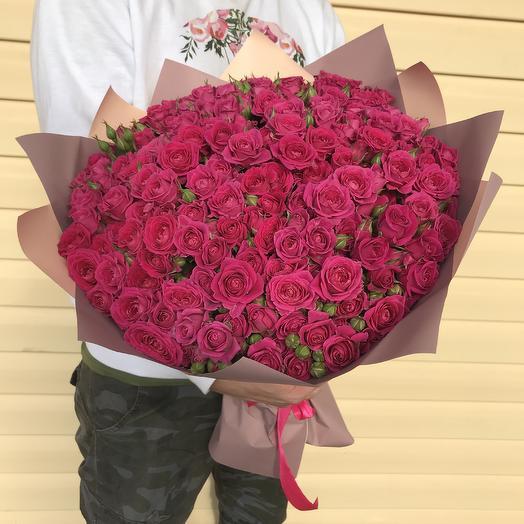 51 кустовая малиновая роза: букеты цветов на заказ Flowwow
