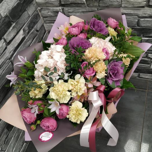 Стильный букет с брассикой,климатисом и пионовидной розой 🥰: букеты цветов на заказ Flowwow