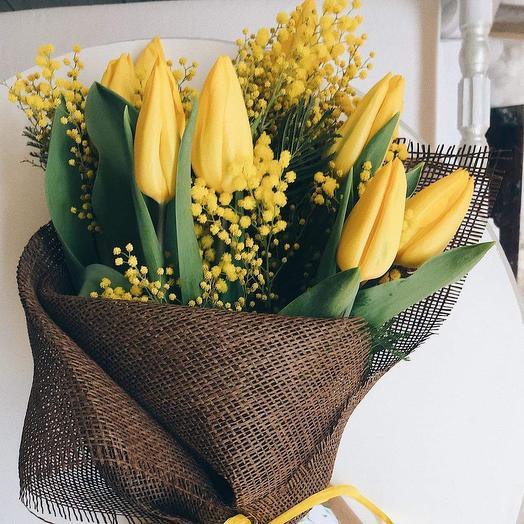 Тюльпаны и мимоза