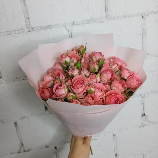11 кустовых коралловыз розочек в букете: букеты цветов на заказ Flowwow