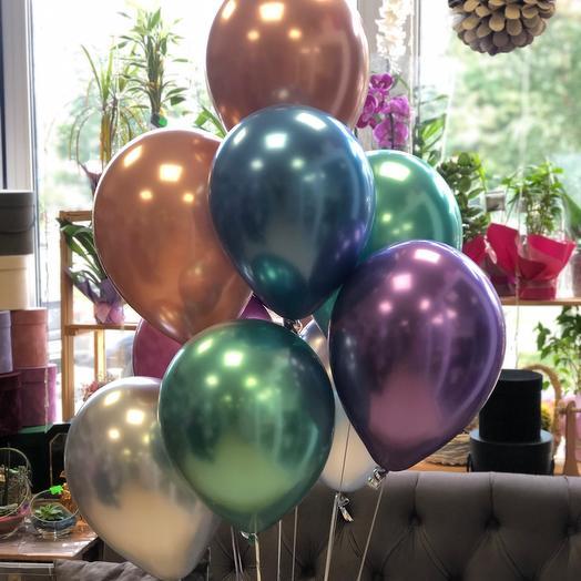 Фонтан из хромированных воздушных шаров