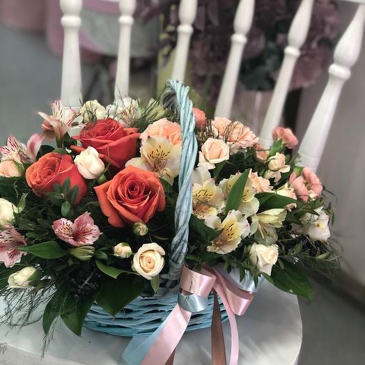 Корзина с цветами «Хлоя»